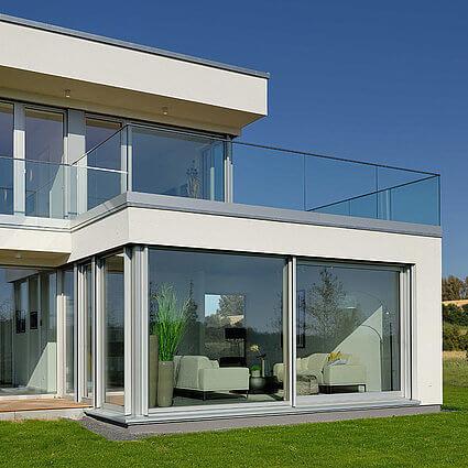 AllgäuImmo Balkon mit Glasgeländer