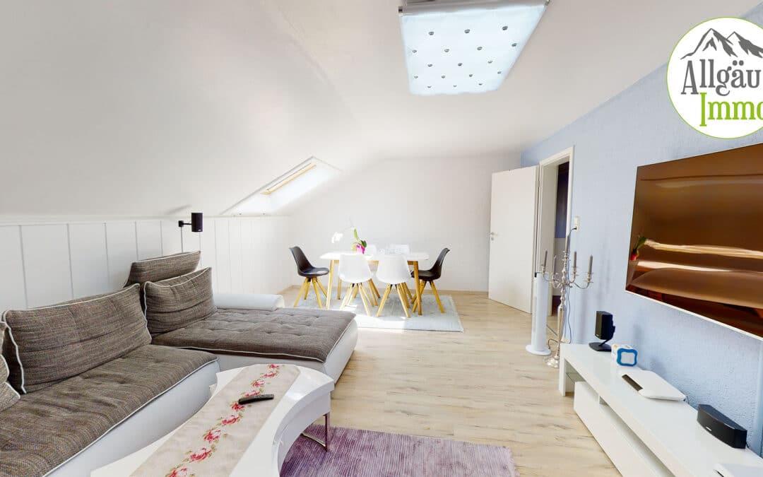 Geräumige, helle 4 Zimmer Dachgeschoßwohnung in hervorragender Lage in Ochsenhausen