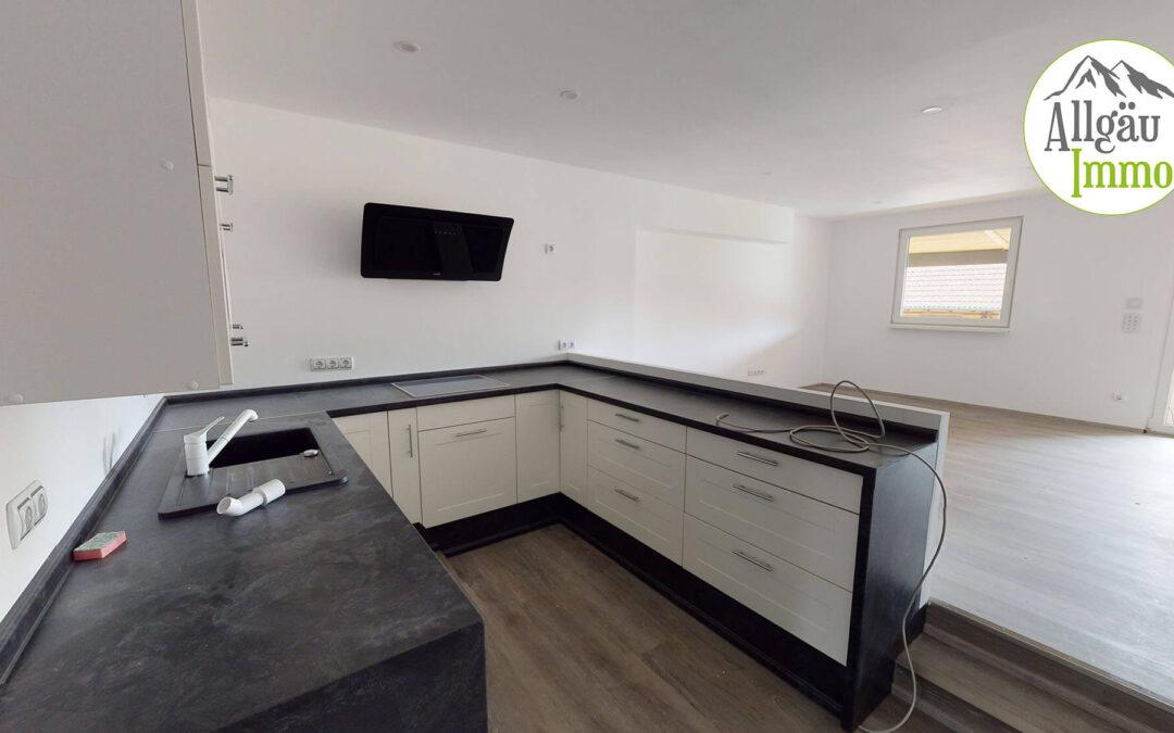 Moderne, großzügige 3 Zimmer Maisonette Wohnung in Woringen zu vermieten